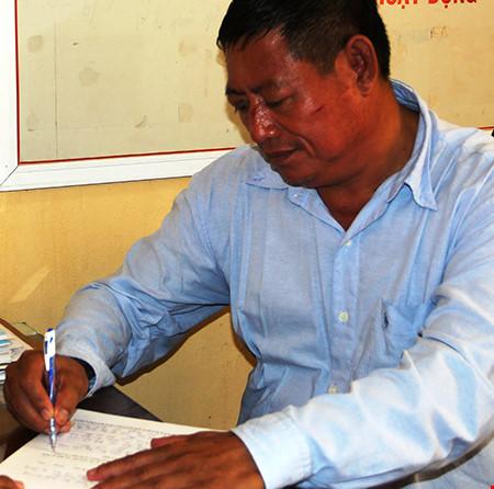 Thu giữ 3 khẩu súng của trung tá Campuchia bắn chết chủ tiệm vàng - 1