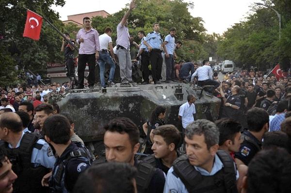 Lý do đảo chính ở Thổ Nhĩ Kỳ bị đè bẹp ngay lập tức - 3