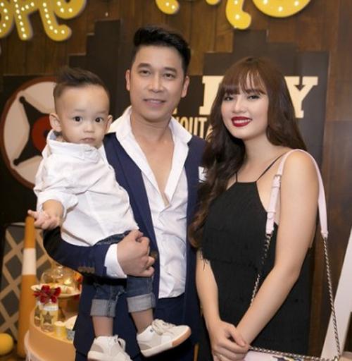 Vợ chồng Lê Hoàng (The Men) khác lạ sau 1 năm sinh con - 1