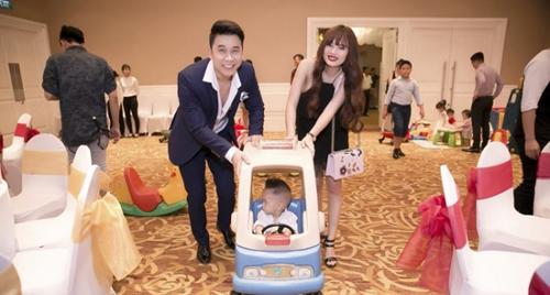 Vợ chồng Lê Hoàng (The Men) khác lạ sau 1 năm sinh con - 4