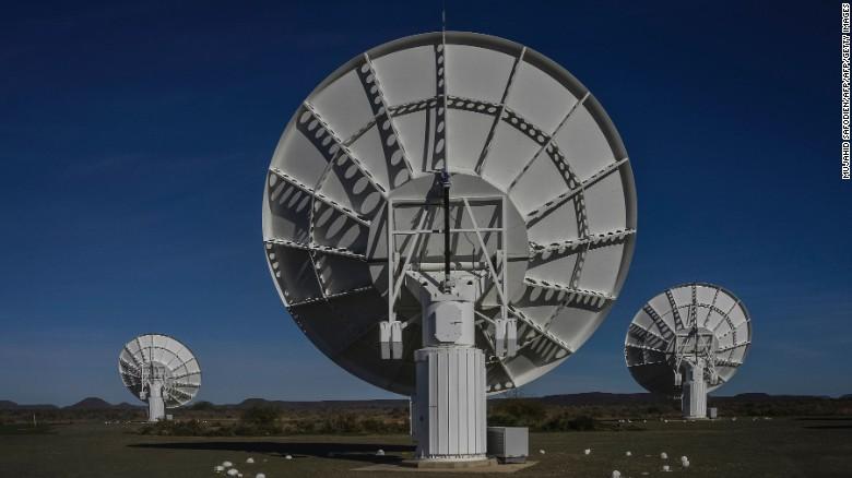 Siêu kính thiên văn phát hiện hàng trăm dải ngân hà bí ẩn - 1