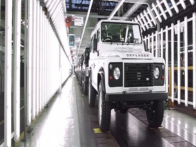 Tỷ phú người Anh cân nhắc tái sản xuất Land Rover Defender - 1