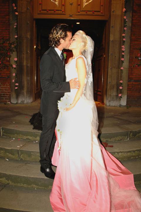 Lý giải giá tiền siêu tưởng của các váy cưới đắt giật mình - 4