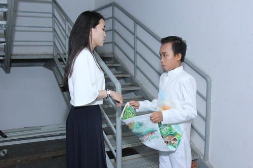 Bố mẹ Hồ Văn Cường hồi hộp chờ con trai biểu diễn - 4