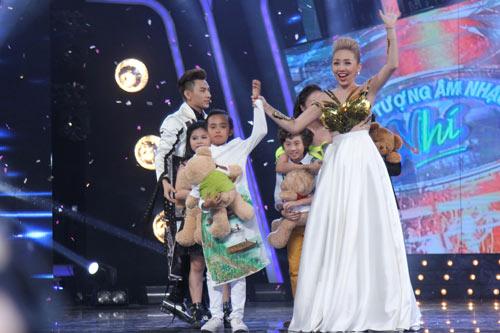 Hồ Văn Cường ngơ ngác giành chiến thắng Vietnam Idols Kid - 1