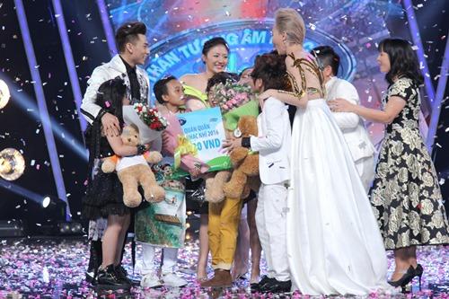 Hồ Văn Cường ngơ ngác giành chiến thắng Vietnam Idols Kid - 2