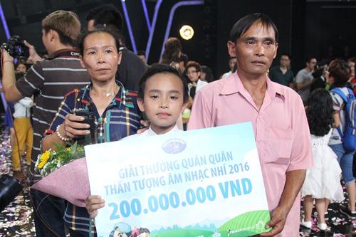 Hồ Văn Cường ngơ ngác giành chiến thắng Vietnam Idols Kid - 3