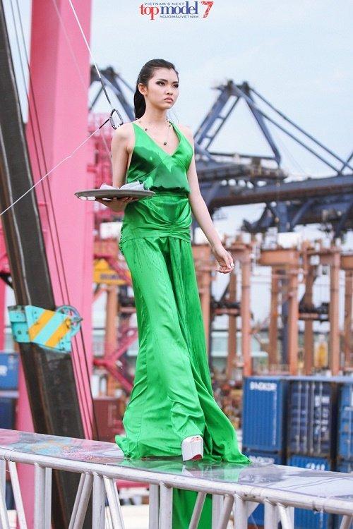 18 thí sinh sẽ tranh tài tại Vietnam's Next Top Model 2016 - 11
