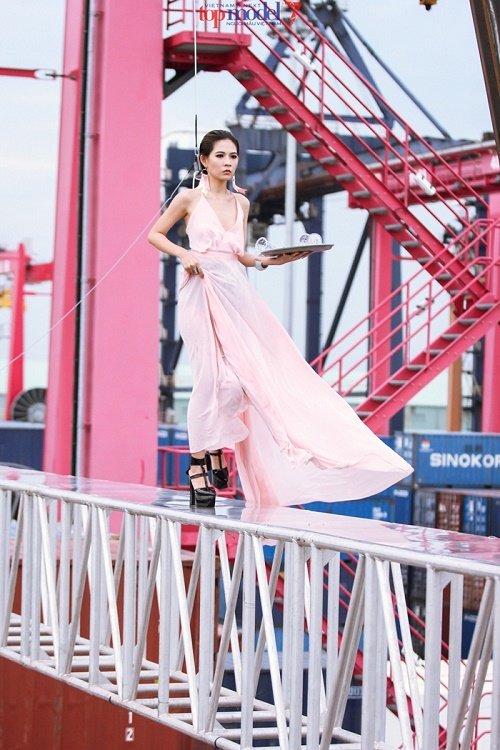 18 thí sinh sẽ tranh tài tại Vietnam's Next Top Model 2016 - 12