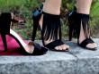 Giày cũ biến thành giày hiệu điệu đà trong 4 phút