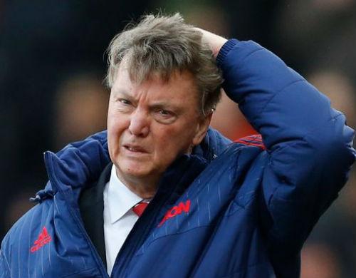 Hậu sa thải, Van Gaal bất ngờ trở lại Manchester - 10