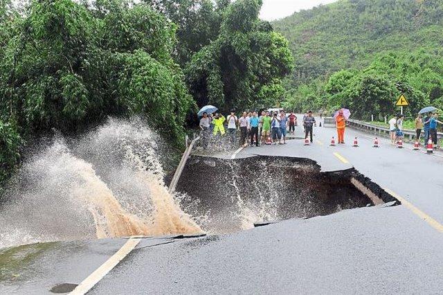 Siêu bão khiến 83 người chết, TQ sa thải 3 quan chức - 2
