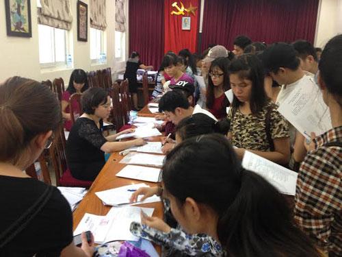 Bộ GD-ĐT điều chỉnh lịch xét tuyển đại học - 1
