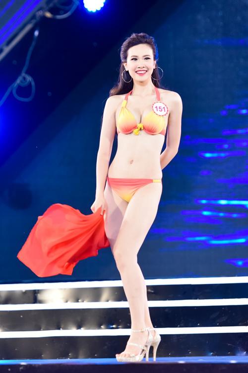 """""""Cân đo"""" hình thể top 18 HHVN ở phần thi bikini - 7"""