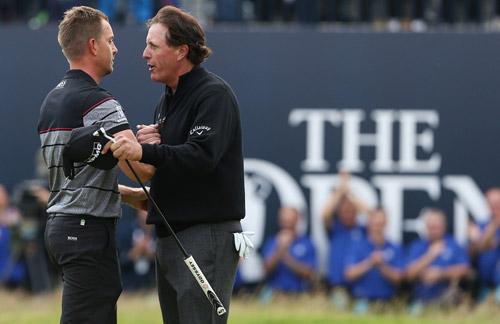 Golf 24/7: Kì tích 40 tuổi vẫn giành major - 1