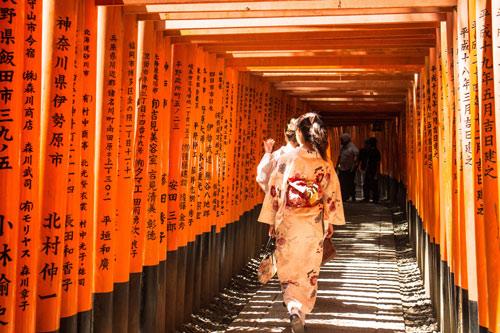 Fushimi Inari, ngôi đền ngàn cổng kỳ lạ ở Nhật Bản - 2