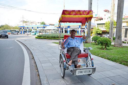 Hà Nội: Dân lao động chui lòng đất trốn nắng nóng - 2