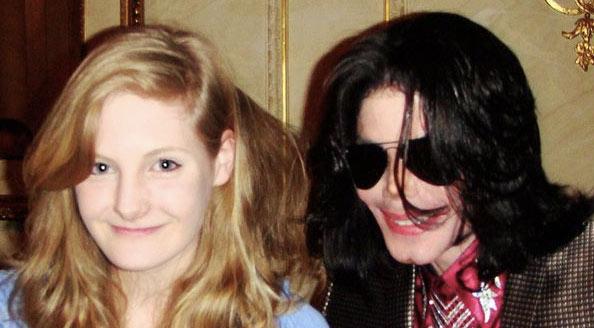 Michael Jackson có sở thích lạ lùng với những bé gái - 1
