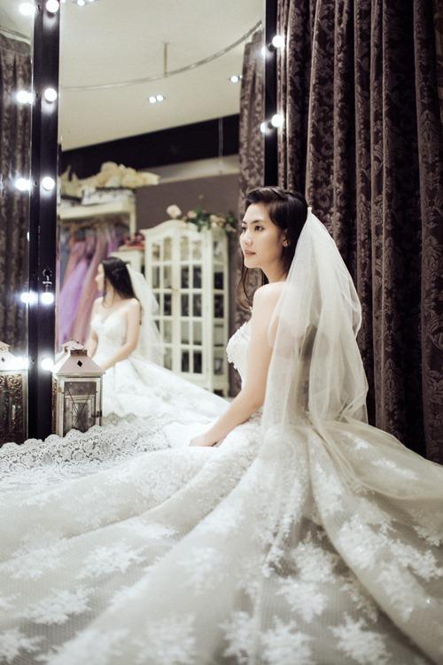 Ngọc Lan hạnh phúc mặc váy cô dâu - 3
