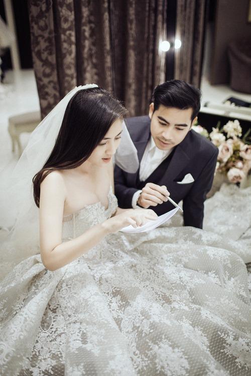 Ngọc Lan hạnh phúc mặc váy cô dâu - 7