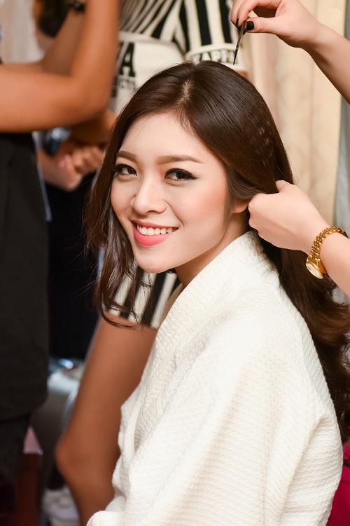 Hé lộ hậu trường của chung khảo Hoa hậu VN - 5