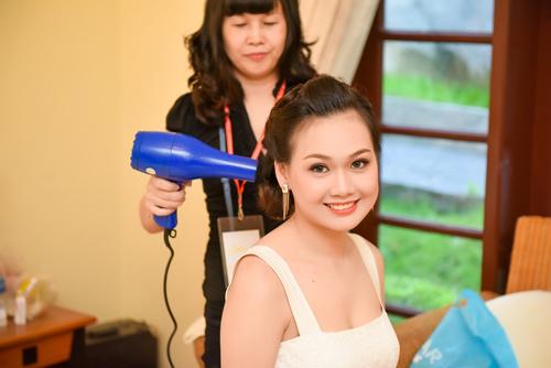 Hé lộ hậu trường của chung khảo Hoa hậu VN - 2