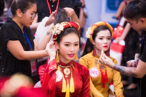 Hé lộ hậu trường của chung khảo Hoa hậu VN - 10