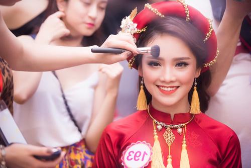 Hé lộ hậu trường của chung khảo Hoa hậu VN - 9