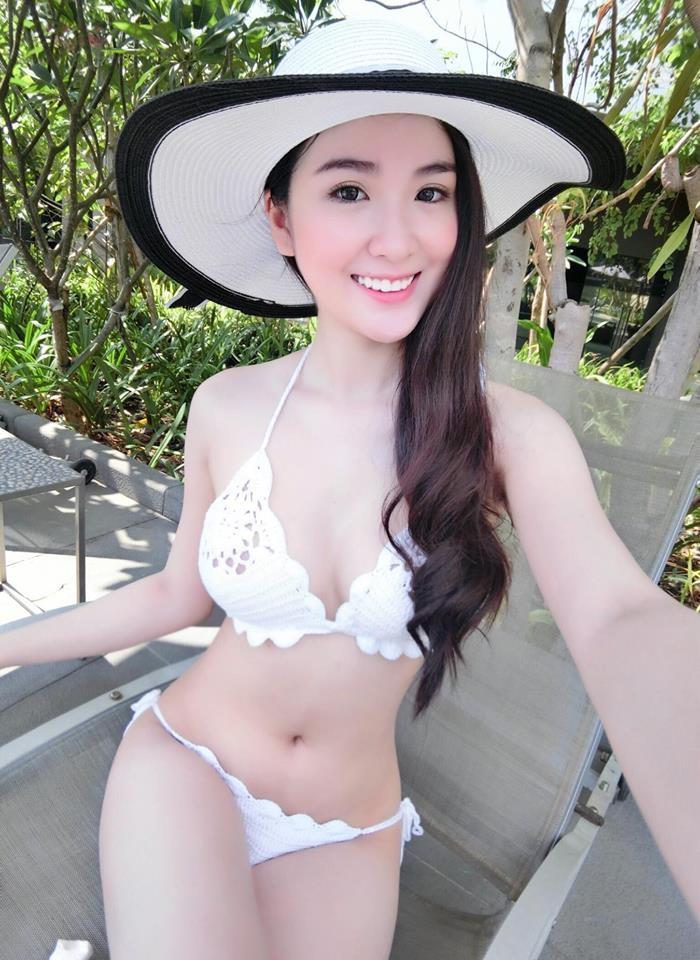 """Mỹ nhân đội Phạm Hương phủ nhận tin đồn """"dao kéo"""" - 4"""