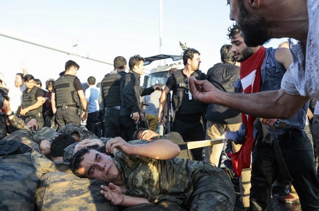 Tổng thống Thổ Nhĩ Kỳ bị bắt hụt như thế nào - 3