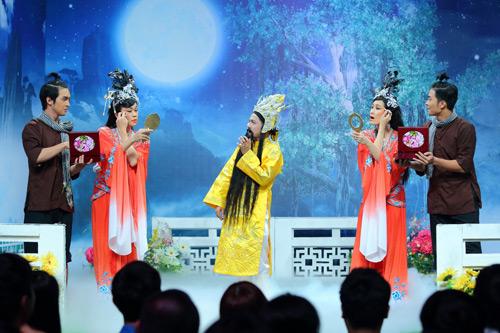 """Khán giả cười ngất với cảnh Hoài Linh bị """"chơi xỏ"""" - 2"""