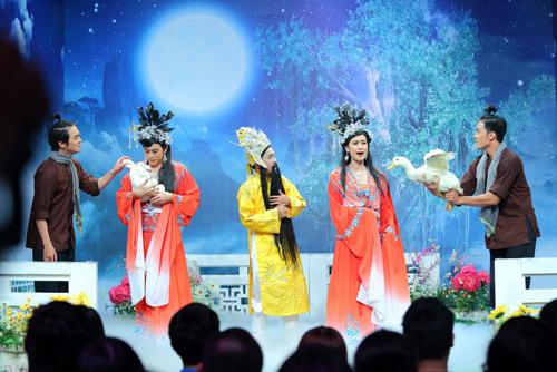 """Khán giả cười ngất với cảnh Hoài Linh bị """"chơi xỏ"""" - 3"""