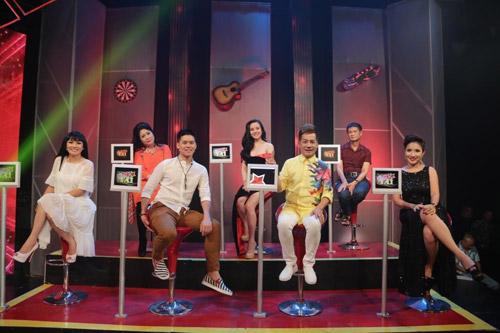 """John Huy Trần bất ngờ vì thí sinh """"xé váy"""" trên sân khấu - 1"""
