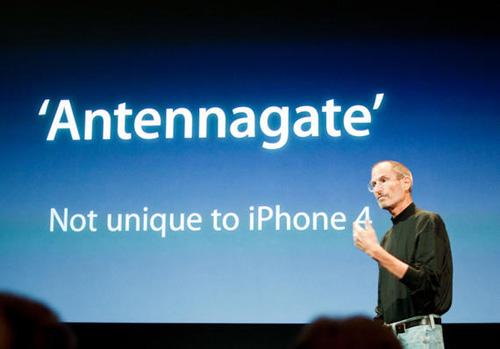 """Nhìn lại cách Apple xử lý khủng khoảng vụ """"Atennagate"""" 2010 - 1"""