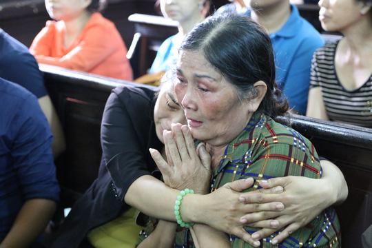 Thảm sát Bình Phước: Mẹ Vũ Văn Tiến nói gì sau khi con bị án tử? - 2