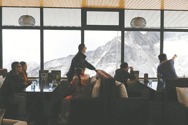 Bên trong quán café cao nhất thế giới - 4