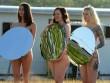 Mỹ: 100 chị em khỏa thân cầm gương chụp ảnh