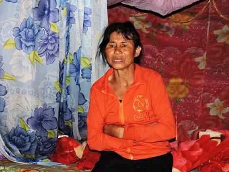 Một phụ nữ bị bắt cóc, ép viết giấy nợ 105 triệu đồng - 2