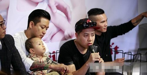 """2 ông bố """"bỉm sữa"""" đảm đang nhất showbiz Việt - 13"""
