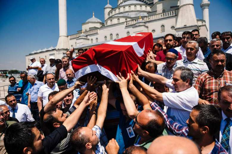 1.000 lính đảo chính Thổ Nhĩ Kỳ có thể bị tử hình - 2