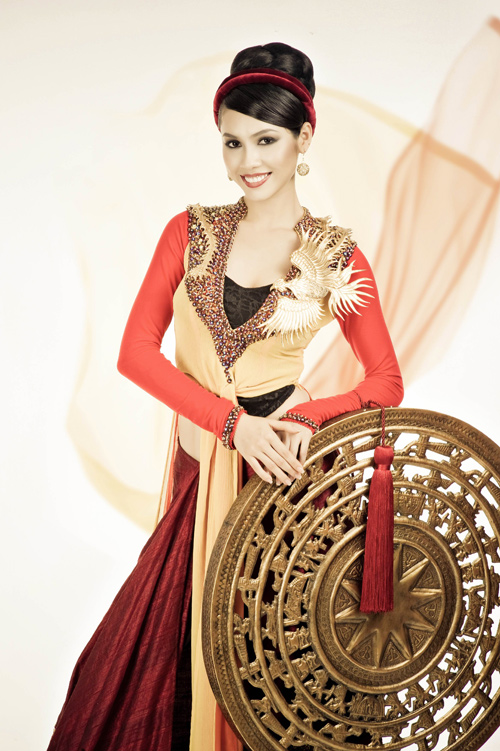 Tuyển người thiết kế quốc phục cho Hoa hậu Hoàn vũ VN - 3