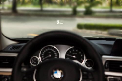Công nghệ hiển thị thông tin trên kính chắn gió HUD trên xe BMW - 2