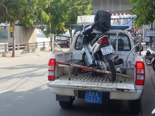 5 nghi can đâm chết 2 người ở Sài Gòn ra đầu thú - 2
