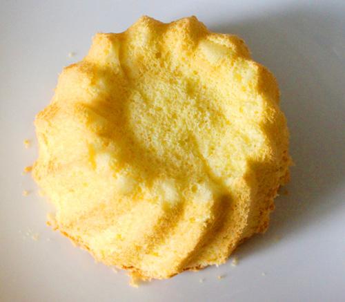 Cách làm bánh kem gà bông đẻ trứng sô cô la - 7