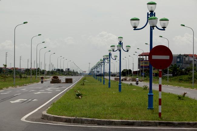 """HN: Sau 2 tháng thông xe, đường nghìn tỷ vẫn """"đóng cửa"""" - 1"""