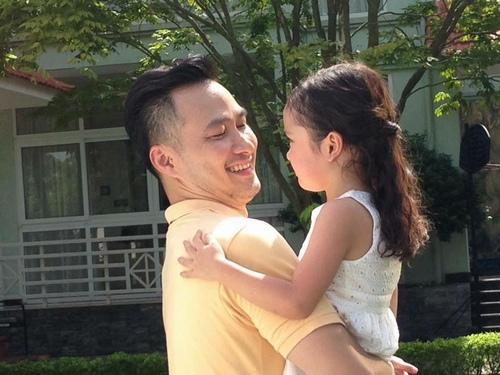 Sự thật bé gái thiên thần bị đồn là con diễn viên Chi Bảo - 3