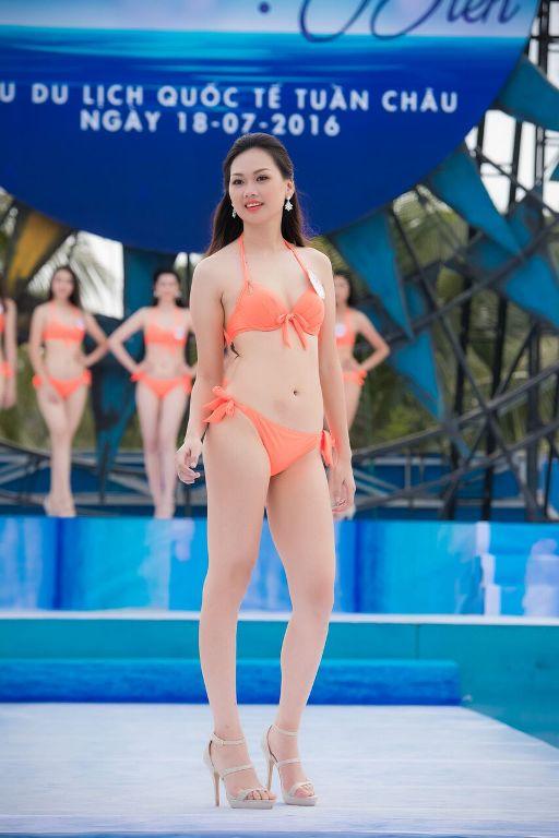 Thí sinh HHVN diễn bikini tranh giải Người đẹp biển - 9