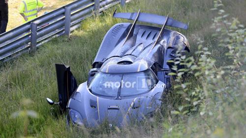 Koenigsegg One:1 giá 2 triệu đô tan tành tại Nürburgring - 1