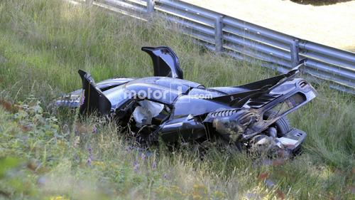 Koenigsegg One:1 giá 2 triệu đô tan tành tại Nürburgring - 2