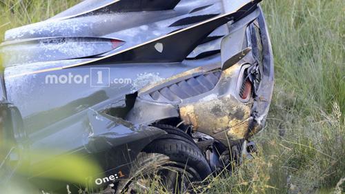 Koenigsegg One:1 giá 2 triệu đô tan tành tại Nürburgring - 3